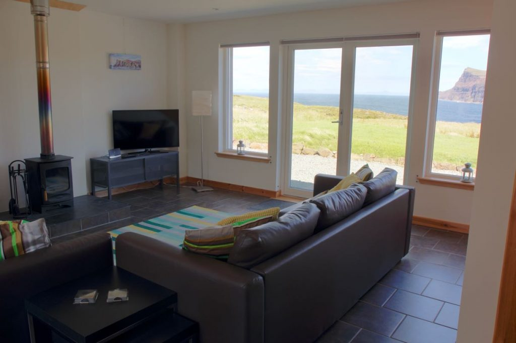 Pooltiel House self catering on Skye living with seaview